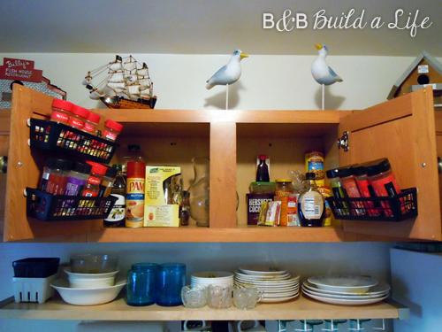 Spice Cabinet Storage Solution @ BandBBuildALife.com