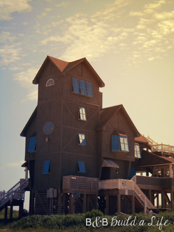 Nights In Rodanthe house @ BandBBuildALife.com