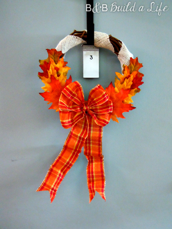 fall 2012 burlap and foliage Wreath @ BandBBuildALife.com