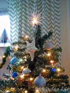starfish on the christmas tree @ BandBBuildALife.com