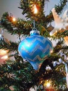 chevron ornament @ BandBBuildALife.com