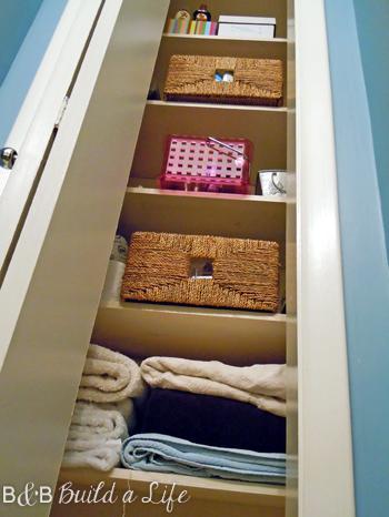 organized closet @ BandBBuildALife.com