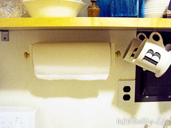 paper towel holder plans @ BandBBuildALife.com
