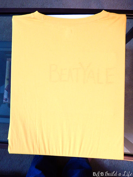 DIY fan t shirt @ BandBBuildALife.com