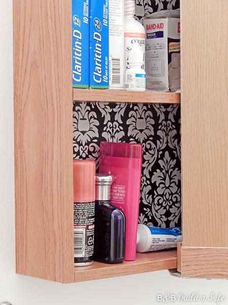 medecine cabinet decor @ BandBBuildALife.com