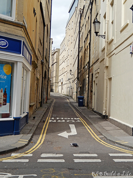 narrow streets of Bath @ BandBBuildALife.com