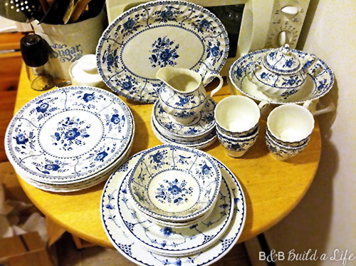 blue and white china dishes @ BandBBuildALife.com