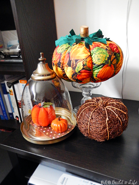 fall decorating with leaves acorns pumpkins at BandBBuildALife.com