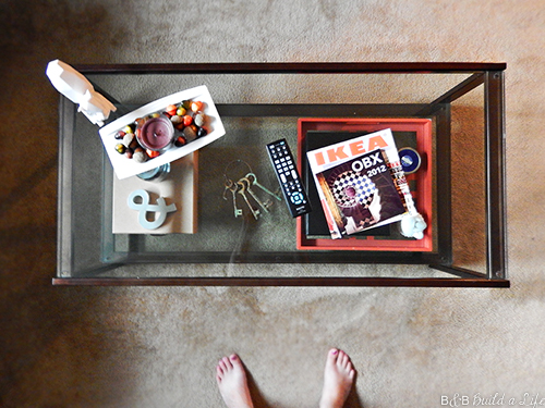 coffee table organization at BandBBuildALife.com