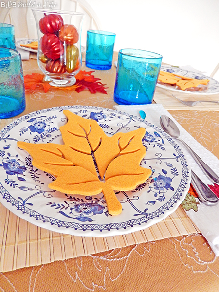 simple thanksgiving tablescape at BandBBuildALife.com