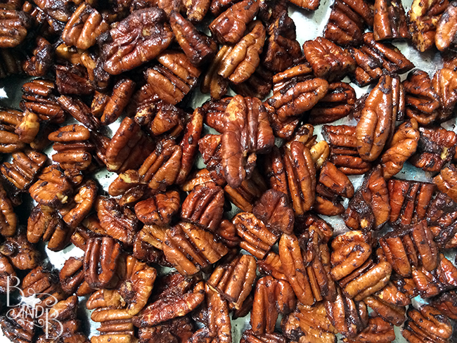 Low Carb Low Calorie Pumpkin Spice Oven Roasted Pecans from BandBBuildALife.com
