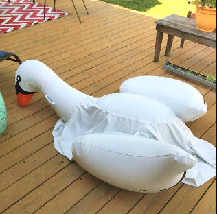 flattened-swan-inflatable